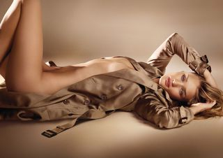 Rosie-Huntington-Whiteley-gets-naked-for-Burberry-Body